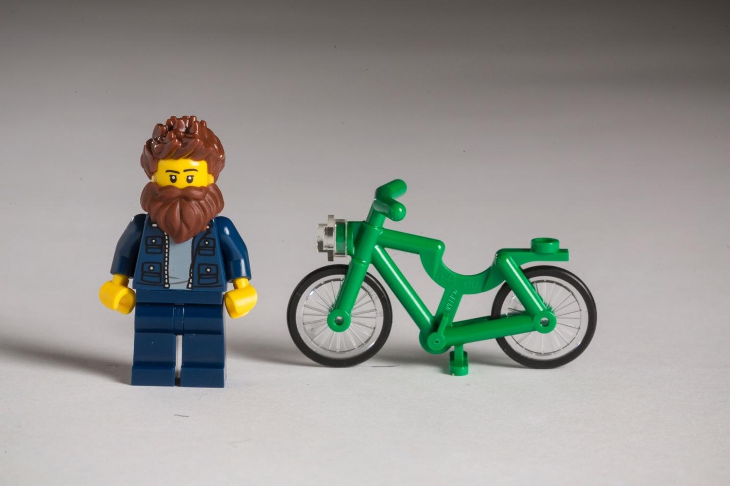 Hipster LEGO avec son vélo (fixie)