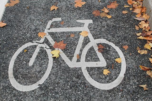 Vélo et automne : comment gérer les intempéries ?