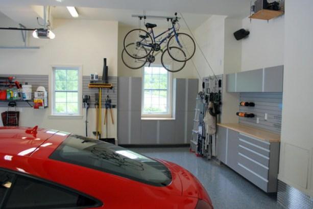 Support de vélos poulies dans garage